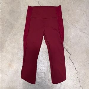 LULULEMON RED CROPPED LEGGING